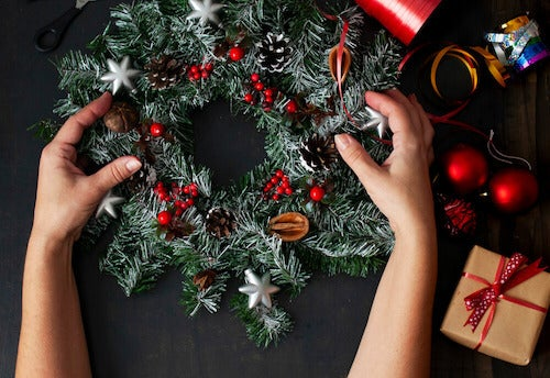 Decorazione corona natalizia.