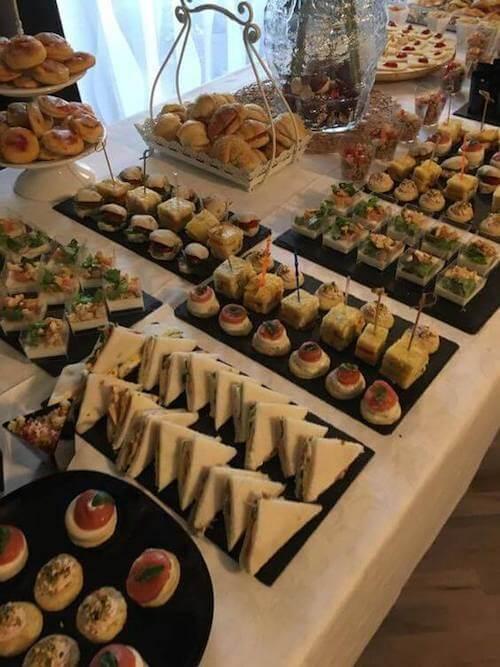 presentazione cibi buffet tartine tramezzini