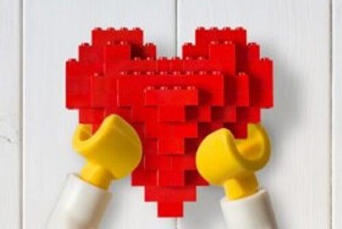 Decorare la casa con i LEGO: un'idea divertente per tutta la famiglia