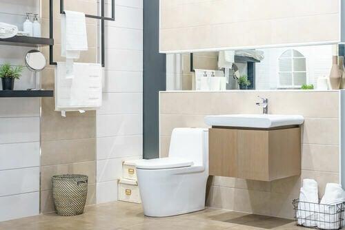 Trucchi per mantenere il bagno pulito e senza batteri