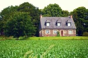 Casa in campagna: quale materiale scegliere per costruirla?