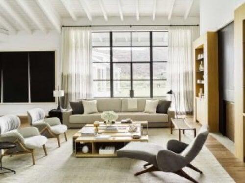 Salotto pieno di stile: casa e benessere psicologico.