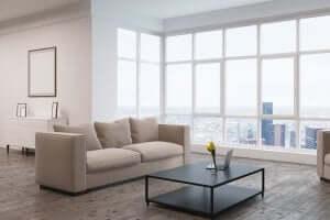 Salone ampio e luminoso per una casa perfetta