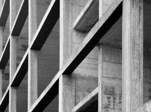 Edificio di cemento.