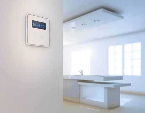 Regolatore di temperatura in casa moderna.