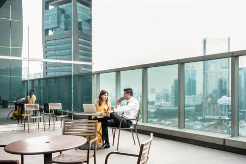 Terrazza per uffici coworking.