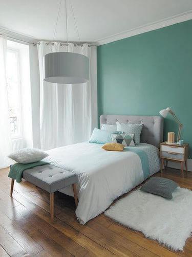 Camera da letto decorata in stile nordico.