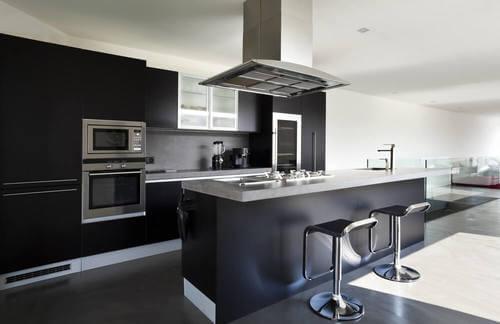 Cucine nere: l'ultima tendenza per una casa davvero alla moda