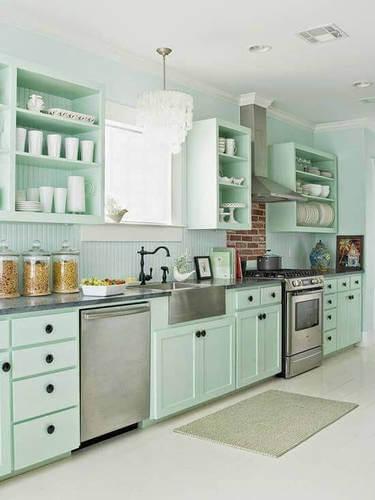 Cucina verde menta.