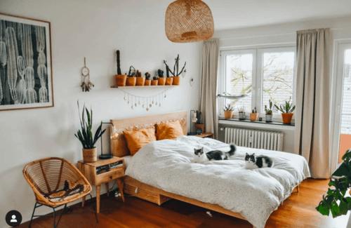 Foto di una camera da letto presa da instagram.
