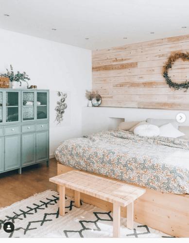 Camera da letto in stile romantico.