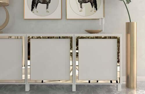 Tante idee per decorare i mobili con la carta da parati