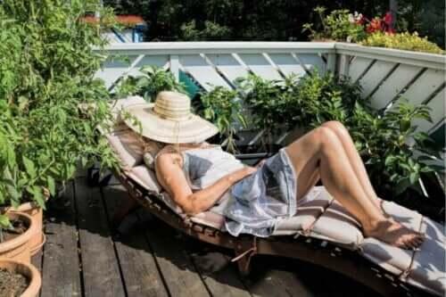 Come costruire un semplice solarium e godervi il sole in ogni stagione