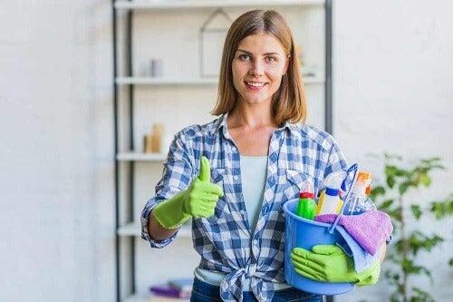 Consigli per rimuovere la sporcizia dietro gli elettrodomestici