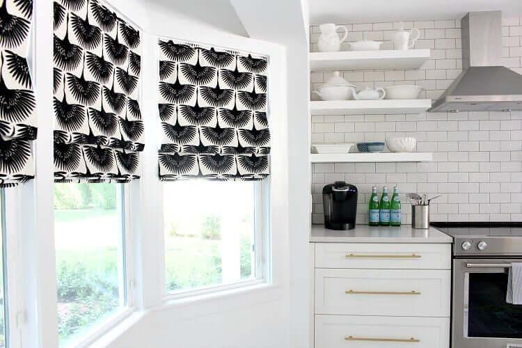 Tende persiane in cucina.