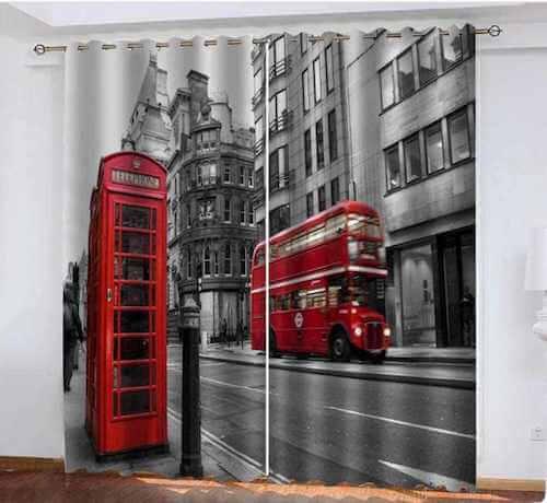 Tanda che raffigura un double-decker e la tipica cabina telefonica rossa di Londra.