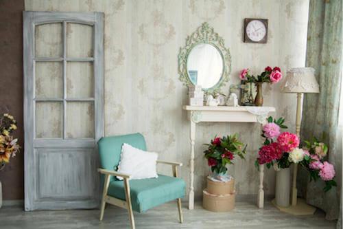 Come usare gli oggetti di una vita per decorare la casa