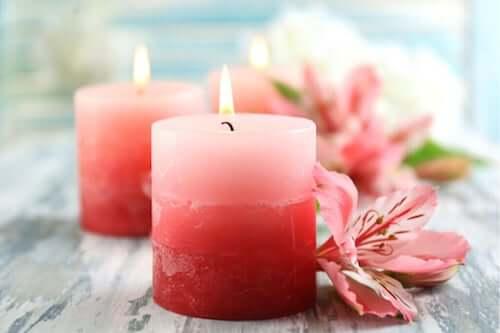 Le candele per creare ambienti pieni di fascino