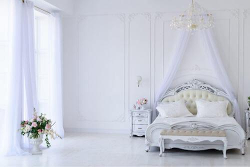 Camera da letto romantica: suggerimenti per la decorazione