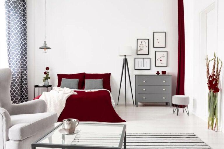 Color vinaccia nella decorazione della casa