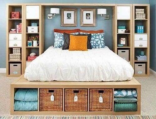 Camera da letto con Kallax.