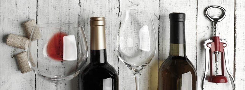 Bottiglie di vino e tappi di sughero: come usarli nella decorazione