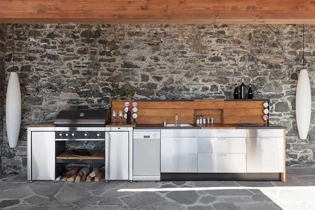 Cucine da esterno: idee e vantaggi