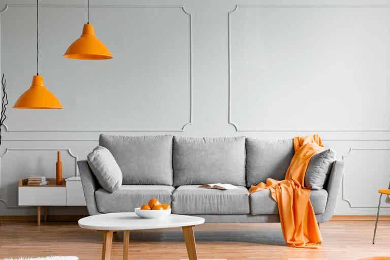 Divano grigio: i colori per abbinarlo alle pareti