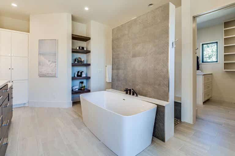 5 modifiche da apportare al bagno che adorerete