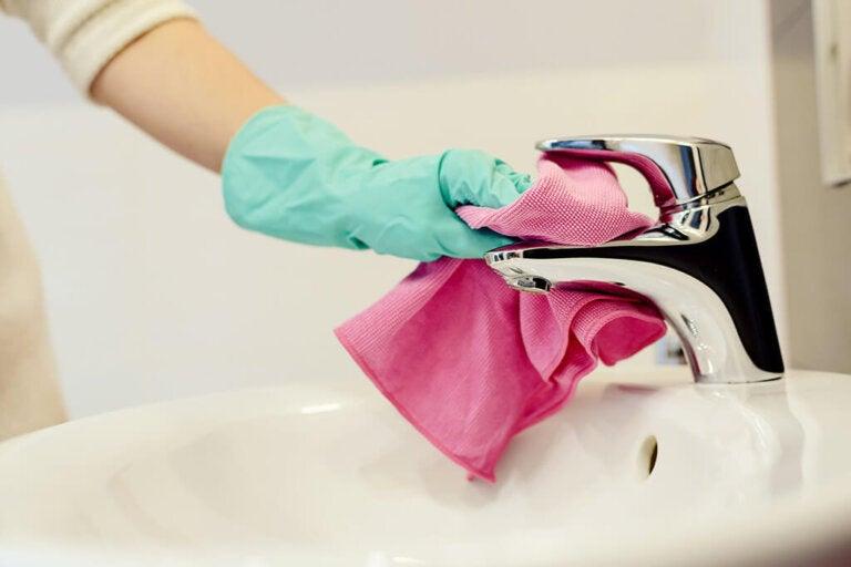Pulire il bagno in dieci minuti: trucchi infallibili