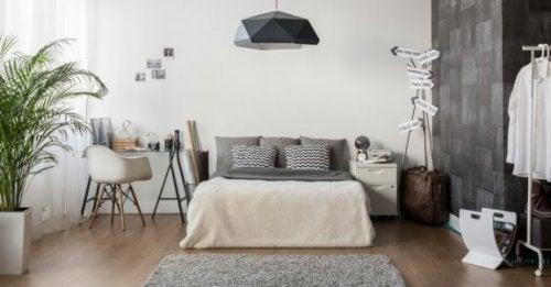 寝室の限られたスペースを最大限有効活用する方法