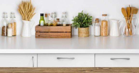 キッチンカウンターの賢い選び方:一般的な素材とその特性