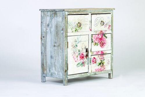 白地に花が描かれた棚 インテリアデザイン シャビーシック