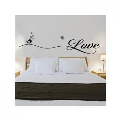 寝室をロマンチックな雰囲気にする方法