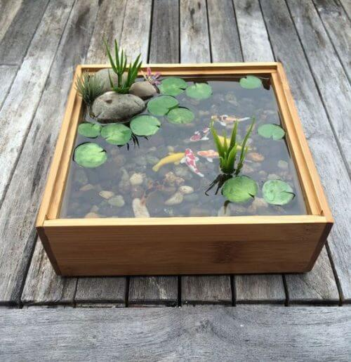 水槽のまわりを小石で装飾しよう