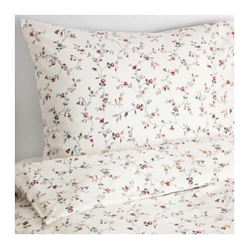 夏にぴったりな花柄の寝具