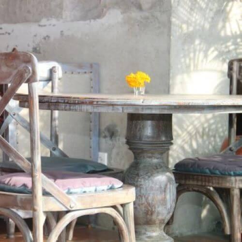 古いテーブルをロマンチックにリメイク!