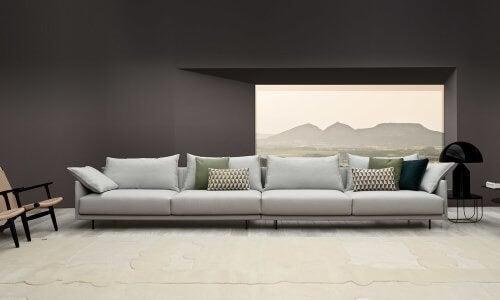 4人掛けのグレーのソファ