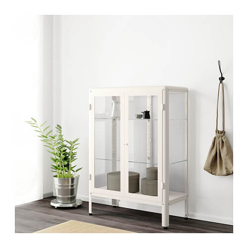 背の低いキャビネット インテリア 飾り棚