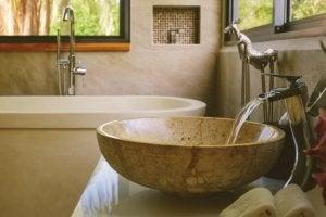 浴室   最新トレンド キャビネット付きの流し台