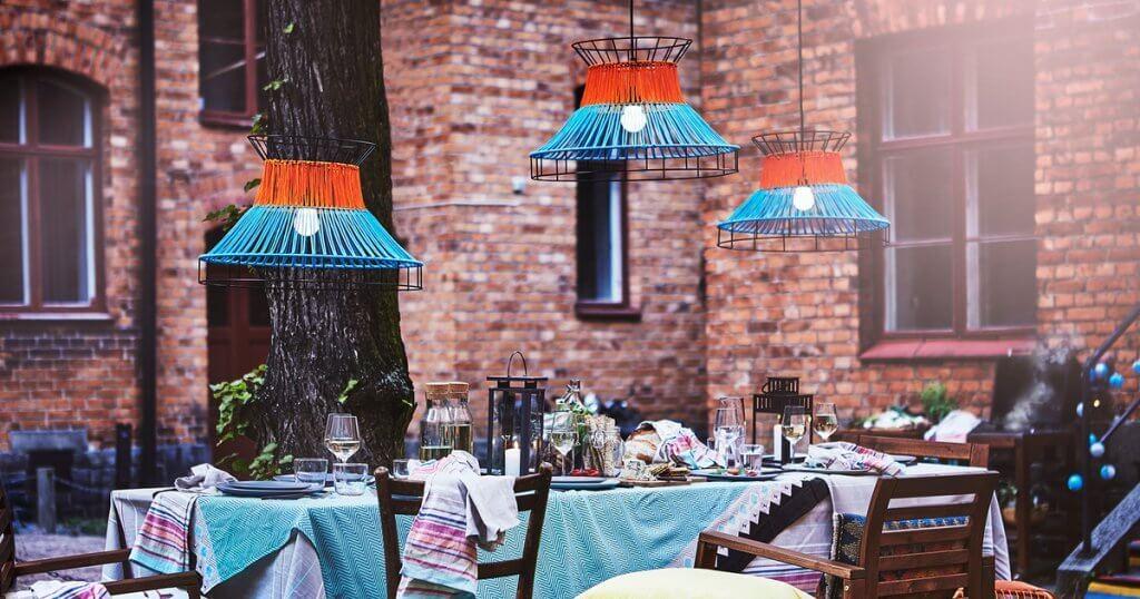 アウトドア用テーブル:ご自宅のデッキにぴったりなIKEAのテーブル5選