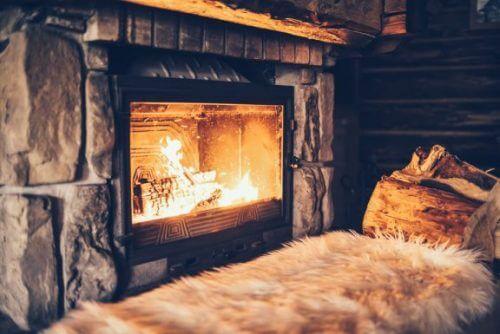 暖炉のあるリビングルーム4選
