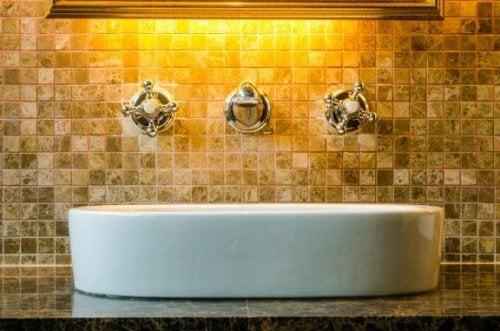 浴室に自然を取り込む 浴室 自然素材 アイデア