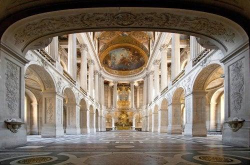 魅力溢れる豪華な装飾「ヴェルサイユ」
