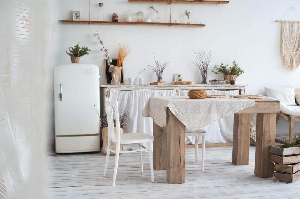 ラスティックキッチンへリフォーム!-明るさを取り入れた白いデザイン