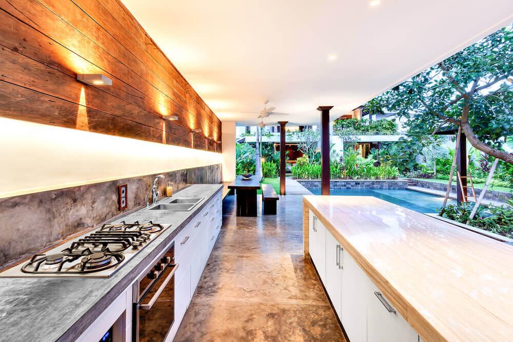 U字型キッチン:スペースを最大限に活用する方法 外観との調和