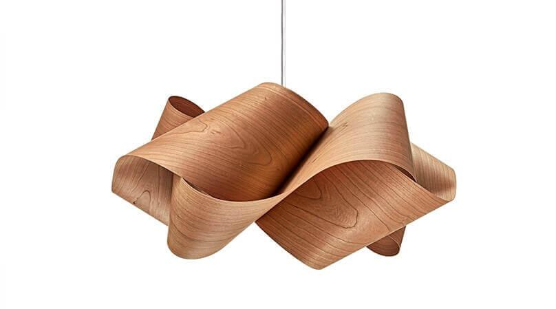 美しくエコロジーな突板ランプ ユニークな形状