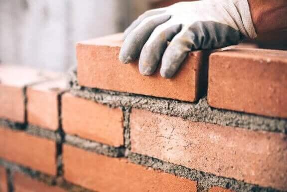 レンガ:安全な建築に役立つ素晴らしい耐久性