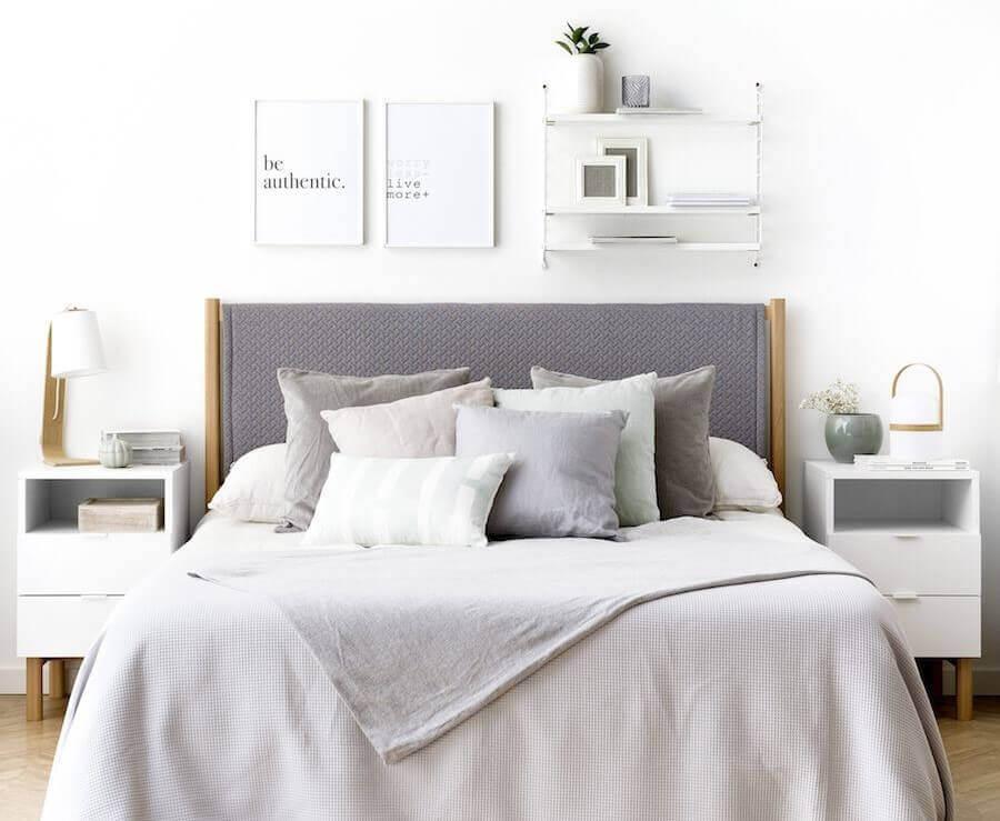 モダンスタイルの寝室