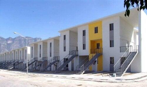 【建築家と社会問題】アレハンドロ・アラヴェナとその住宅哲学